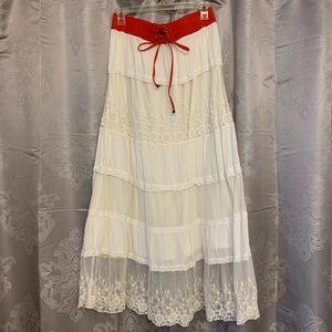 Boho Chic Lace Maxi Skirt 💛